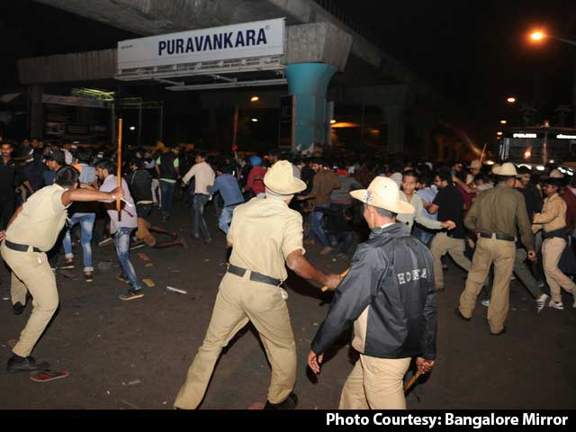 Video : Women Allegedly Molested In Bengaluru On New Year's Eve As Cops Watched