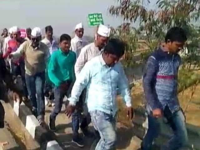 Videos : पटेलों; दलितों के बाद गुजरात में एक और आंदोलन, किसान वेदना यात्रा गांधीनगर पहुंची