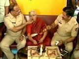 Video : मुंबई पुलिस की मम्मी!