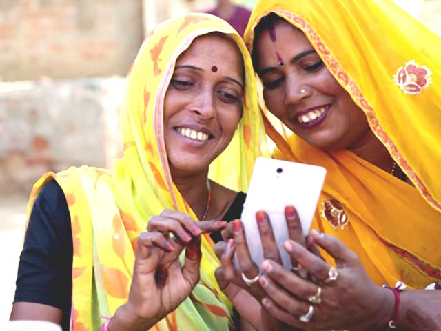 Video : Cashless Economy in India: Is It Really Possible?