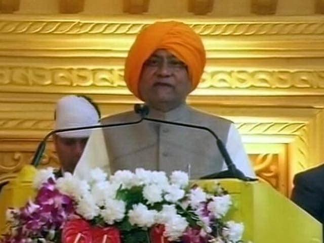 Videos : इंडिया 8 बजे :  प्रधानमंत्री और नीतीश ने की एक-दूसरे की तारीफ