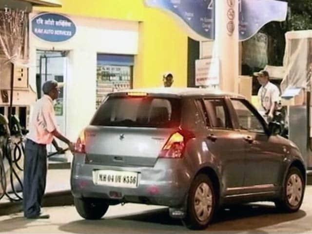 Video : इंडिया 9 बजे : पेट्रोल डीलर्स की धमकी, नहीं स्वीकार करेंगे कार्ड से पेमेंट