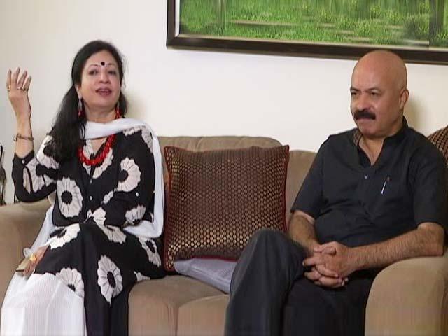 Video : Hindi <i>Kavita Aur</i> Urdu Studio
