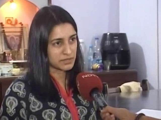 Video : Banned Notes: Holders Of Overseas Indian Citizen Cards Express Concern
