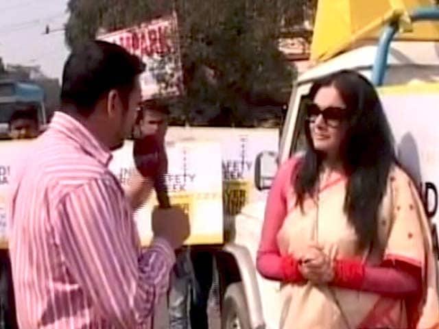 Video : रोड टू सेफ्टी : कोलकाता में सड़क सुरक्षा को लेकर जागरूकता कार्यक्रम आयोजित