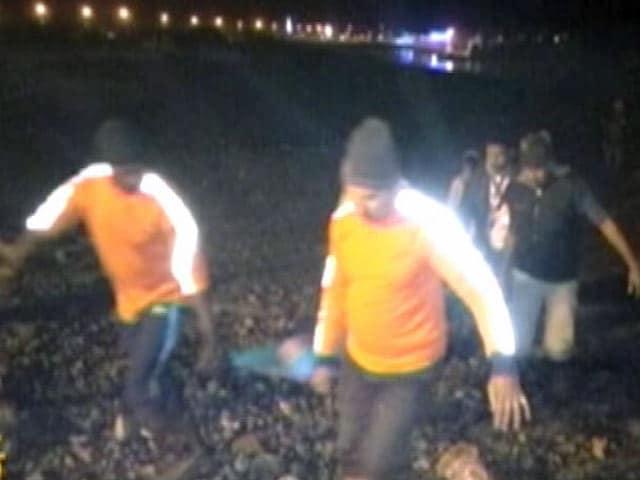 Video : इंडिया 9 बजे : गंगासागर मेले में भगदड़, 6 की मौत