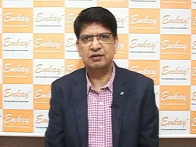Video : Emkay Global On Infosys, TCS Earnings