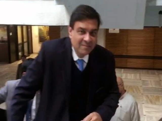 Videos : इंडिया 8 बजे : नोटबंदी के मुद्दे पर संसदीय समिति के सामने पेश हुए उर्जित पटेल