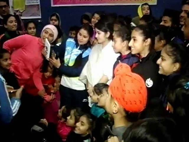 Video : Selfies, Smiles For Dangal Teen Zaira Waseem In Jammu After Trolling Row