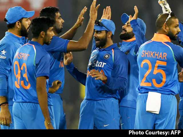 Indias Bowling in Cuttack Was Top Class: Sunil Gavaskar