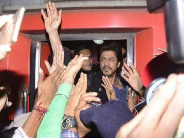 Video : Mumbai To Delhi By Train With SRK: A Timeline