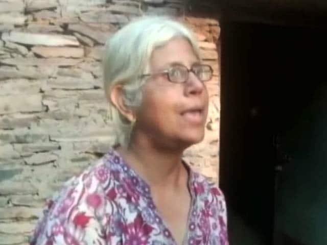 Video : बस्तर छोड़ने के दबाव के बावजूद बेला भाटिया ने कहा- मैं डटी रहूंगी
