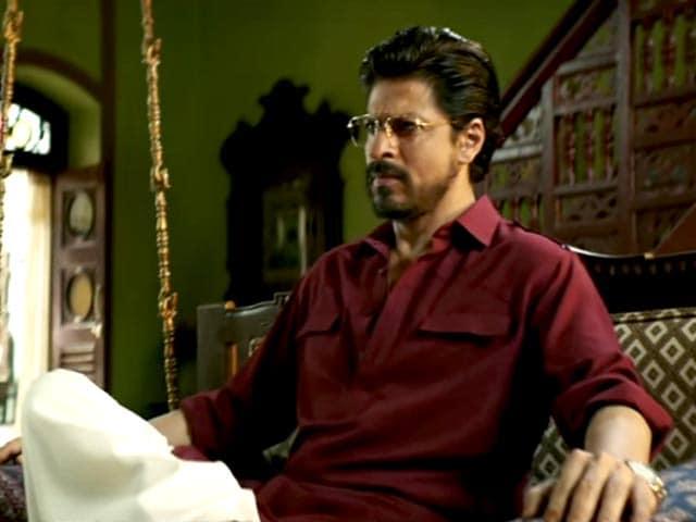 Videos : रिव्यू: साधारण कहानी पर शाहरुख खान और नवाजुद्दीन सिद्दीकी के अभिनय से जानदार हुई 'रईस'