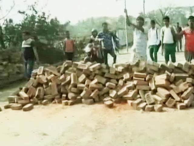 Video : Police Finally March Into Bengal's Bhangar, But No Peace Yet