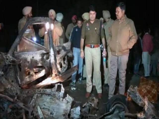Videos : पंजाब : कांग्रेस उम्मीदवार की जनसभा में धमाका, तीन की मौत