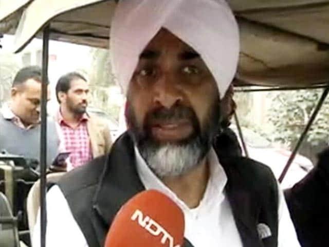 Video : No Mixed Emotions, Loyal To Punjab, Not One Family, Says Manpreet Badal