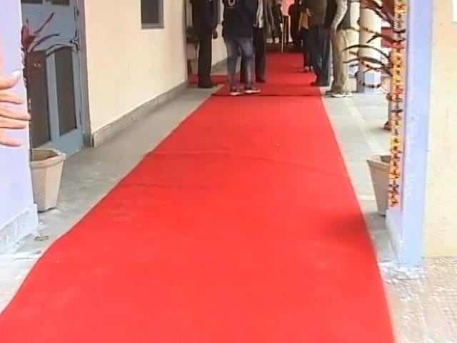 Video : Red Carpet Treatment In Amarinder Singh's Polling Booth. Why That's Okay