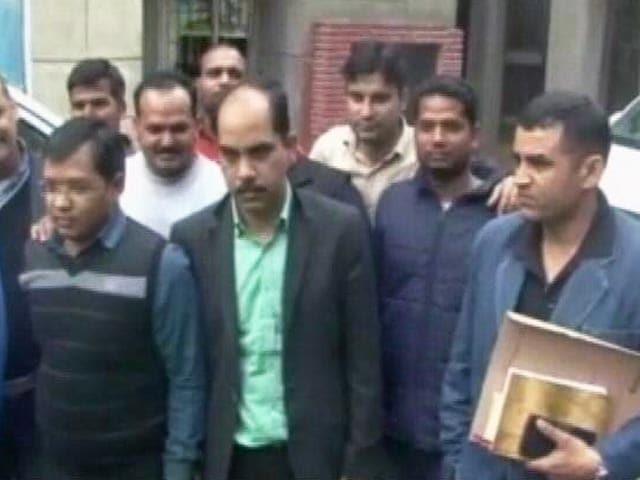 Videos : 3,700 करोड़ की ठगी के मामले में ED की टीम जांच में जुटी