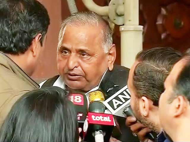 Videos : शिवपाल यादव अलग पार्टी नहीं बनाएंगे : मुलायम सिंह यादव