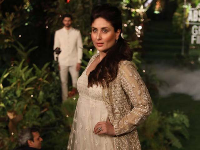Kareena Returns To Ramp At LFW Finale