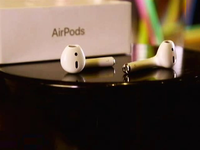 Video : AirPods: Hockey Sticks or Tech Marvels?