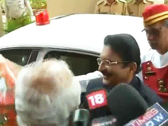 Video : Suspense Over Sasikala Swearing-In, Governor Back In Chennai Tomorrow