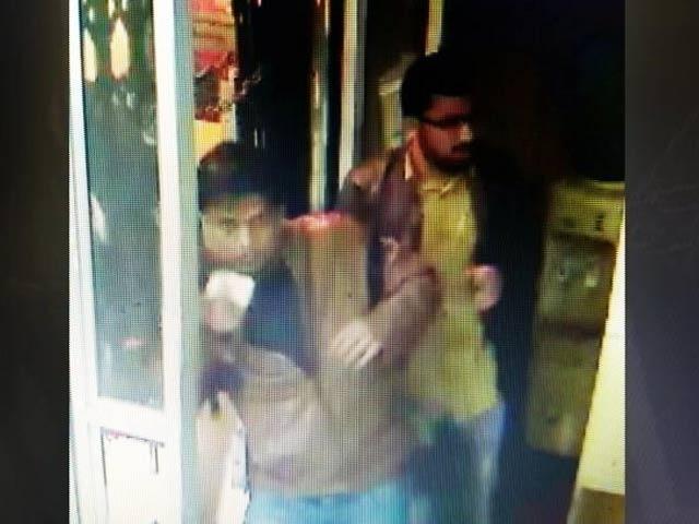 Videos : गुड़गांव : मणप्पुरम गोल्ड लोन ऑफ़िस में दिनदहाड़े लूट, 33 किलो सोना लूटा