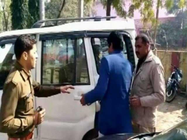 Video : BJP Lawmaker Sangeet Som's Brother Detained For Carrying Pistol Inside Polling Booth