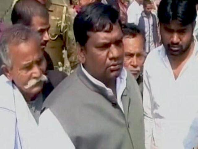 Videos : यूपी के सपा विधायक पर हत्या का आरोप