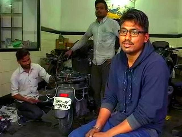 Video : ग्राउंड रिपोर्ट : यूपी चुनावों में बेरोजगारी का बड़ा मुद्दा
