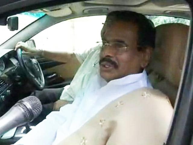 Video : Amid Political Drama, Sasikala's Husband Confirms Her Family's In The Picture