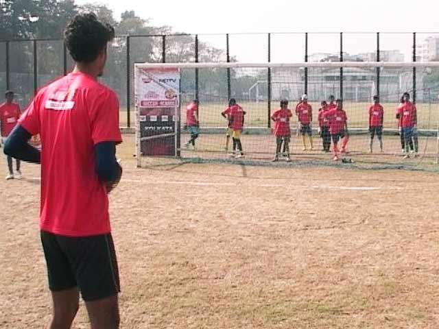 Videos : आओ खेलें फुटबॉल : ज़मीनी स्तर पर फुटबॉल को बढ़ावा देने की कोशिश