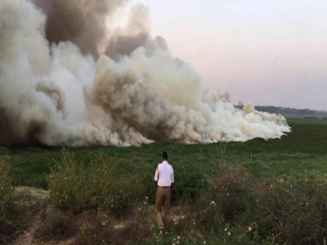 Video : Lake On Fire, Toxic Smoke Leaves Bengaluru Angry And Stunned