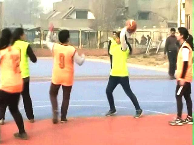 Video : Kashmiri Girls Take to Basketball, Want to Play in Nationals