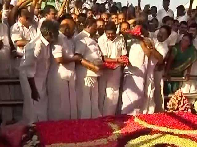 Video : E Palaniswami Wins Tamil Nadu Floor Test After 5 Hours Of Drama