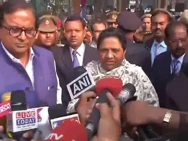 Video : UP Election 2017: Mayawati Casts Her Vote In Lucknow, Confident Of Victory