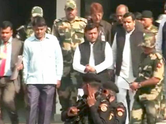 Videos : अखिलेश यादव ने वोट डालने के बाद कहा- मैंने सपा को वोट दिया