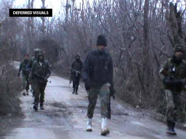 Video : 3 Soldiers Dead In Terror Attack In Kashmir's Shopian, Woman Killed In Firing