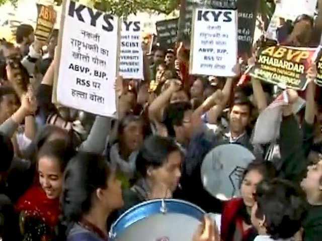 Videos : प्राइम टाइम : रामजस कॉलेज में हंगामे से उठे बोलने की आजादी पर सवाल