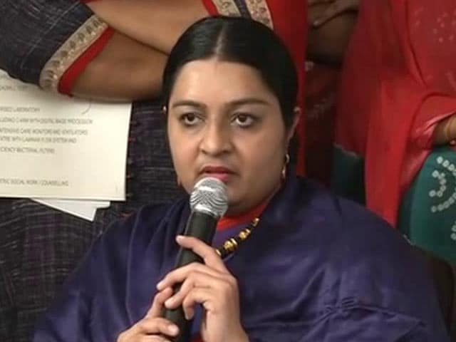 Video : Niece Deepa Jayakumar Will Contest Election From Jayalalithaa's RK Nagar Seat