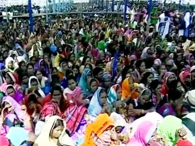 Videos : यूपी चुनाव : पूर्वांचल के लिए मायावती का सोशल इंजीनियरिंग फॉर्मूला
