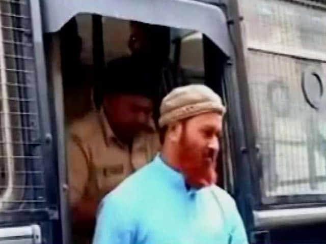 Video : इंदौर : स्पेशल कोर्ट ने सिमी के 11 आतंकवादियों को सुनाई उम्रकैद की सजा