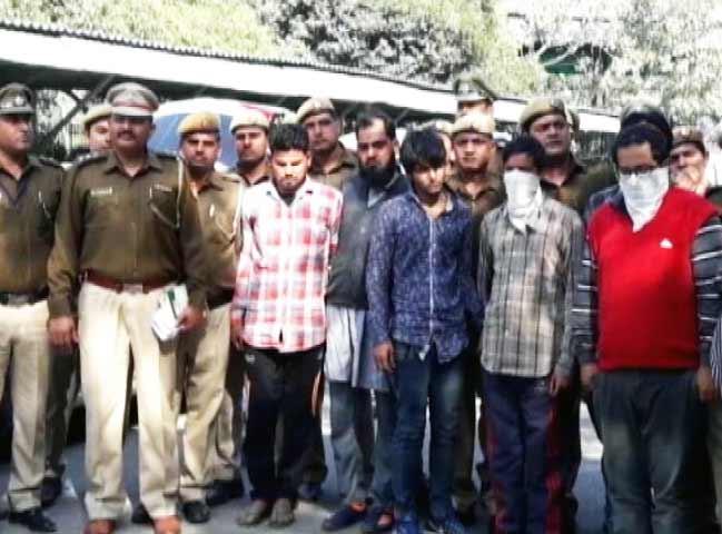 Videos : दिल्ली में स्मार्टफोन चोरों का गिरोह पकड़ा
