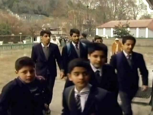 Video : After 8 Months Interrupted Education Resumes In Kashmir