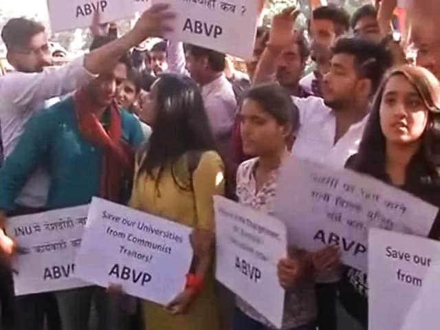 Videos : इंडिया 8 बजे : रामजस मामले पर प्रदर्शनों का दौर जारी