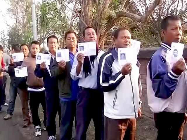 Videos : मणिपुर विधानसभा चुनाव 2017: पहले चरण में 38 सीटों पर हो रहा मतदान