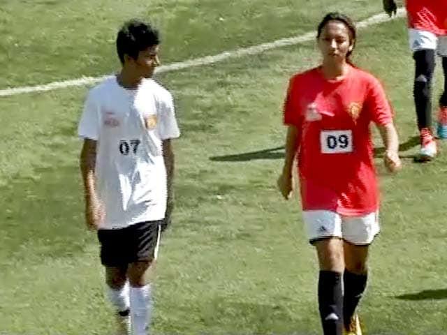 Videos : मैंचेस्टर यूनाइटेड सॉकर स्कूल : भारत के फुटबॉल स्टार की खोज
