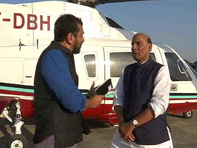 Video : 1000s Came For My <i>Jan Sabha</i> When I Was UP Chief Minister: Rajnath Singh