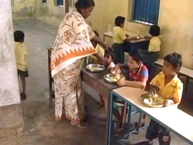 Video : Aadhaar For Mid-Day Meal? Mamata Banerjee Says No Way, Left Agrees