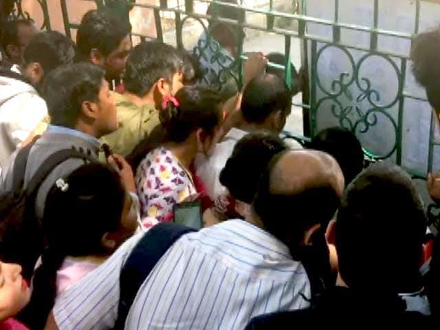 Videos : दिल्ली में नर्सरी एडमिशन की पहली लिस्ट जारी, अभिभावकों ने स्कूलों पर लगाया मनमानी का आरोप
